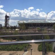 Blick aus dem Queens Elisabeth Park (Olympiapark) auf das Olympiastation (zur Zeit leider geschlossen)